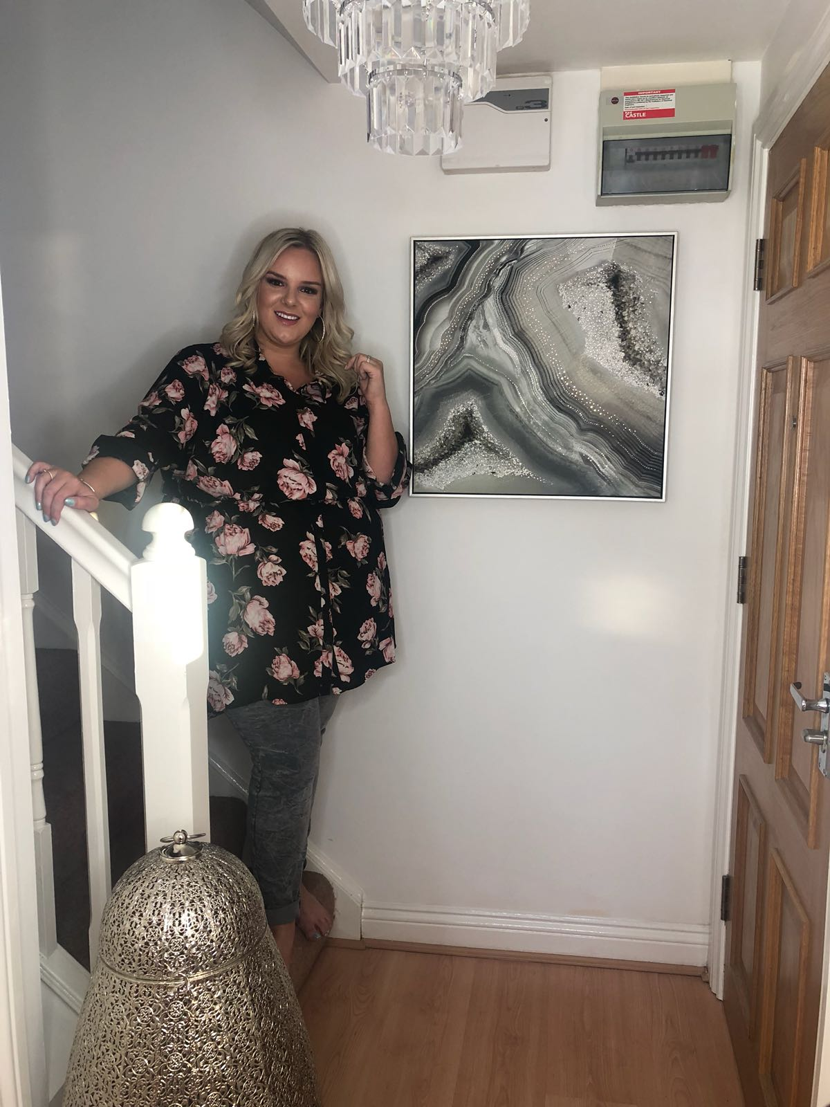 WhatLauraLoves Home Hallway Makeover Rented Apartment