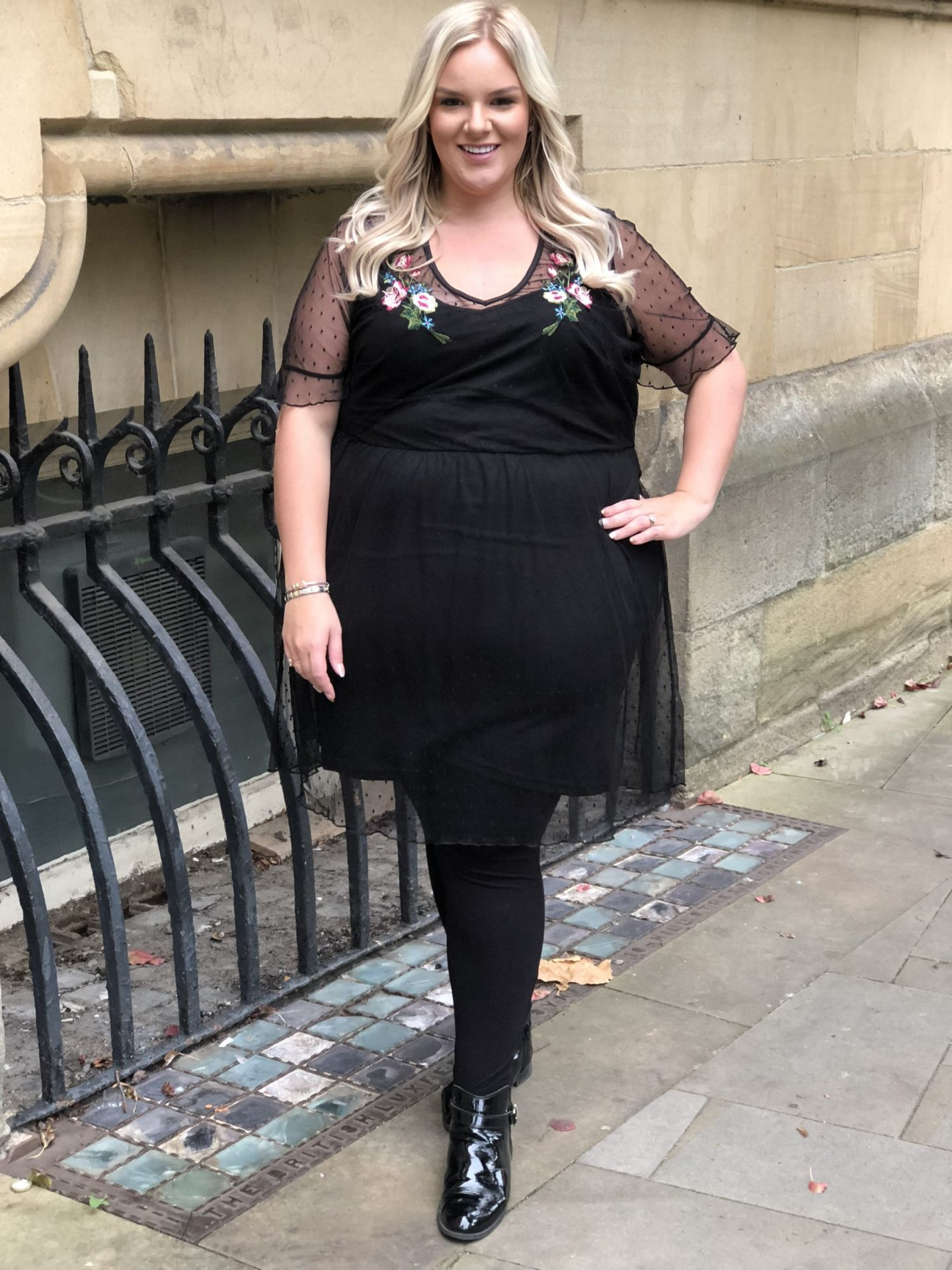 WhatLauraLoves in Manchester wearing a Lovedrobe dress