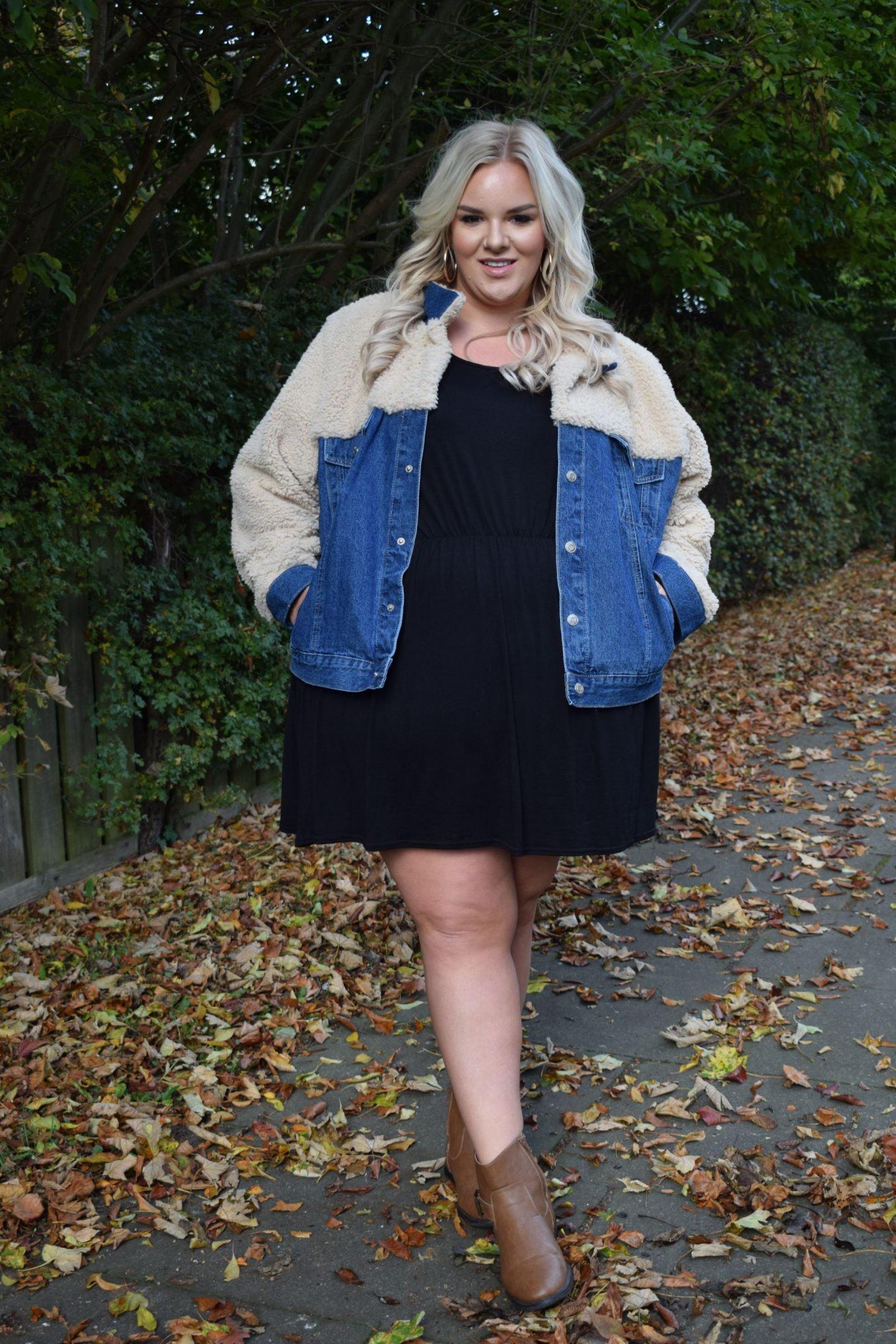 WhatLauraLoves in Dani Dyer In The Style Curve