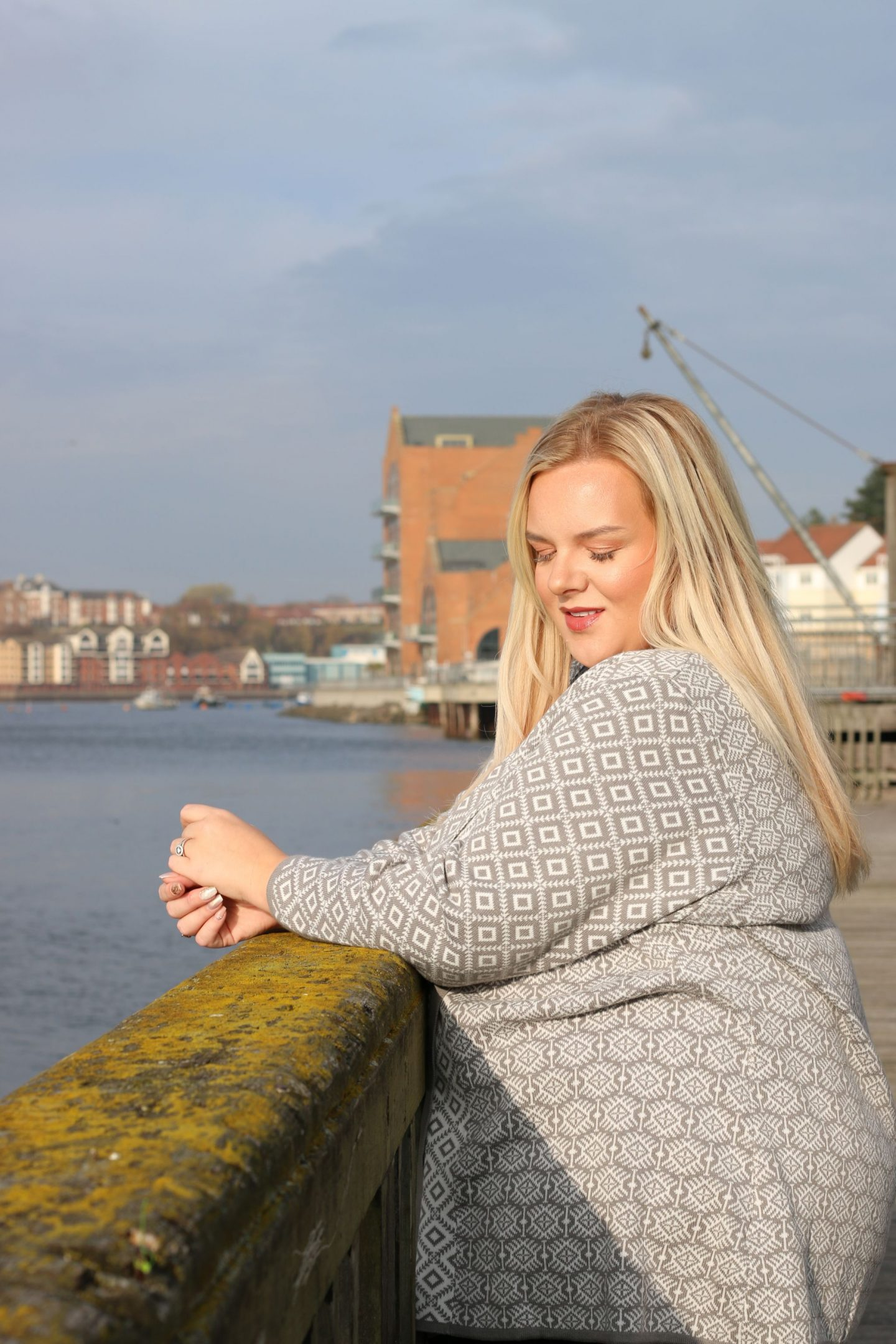 WhatLauraLoves Curvissa Plus Size Fashion Blogger