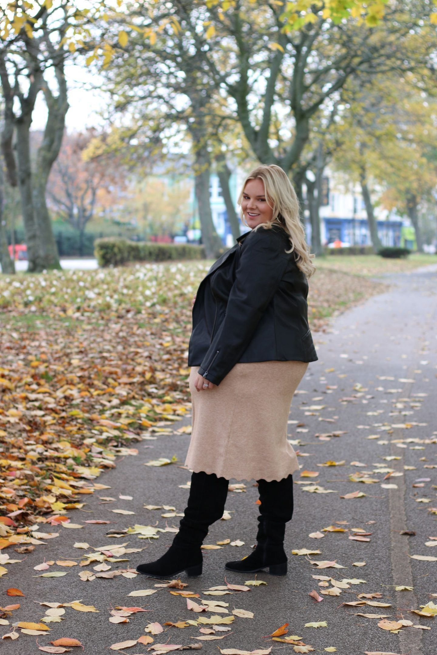 WhatLauraLoves X Curvissa Plus Size Fashion Blogger