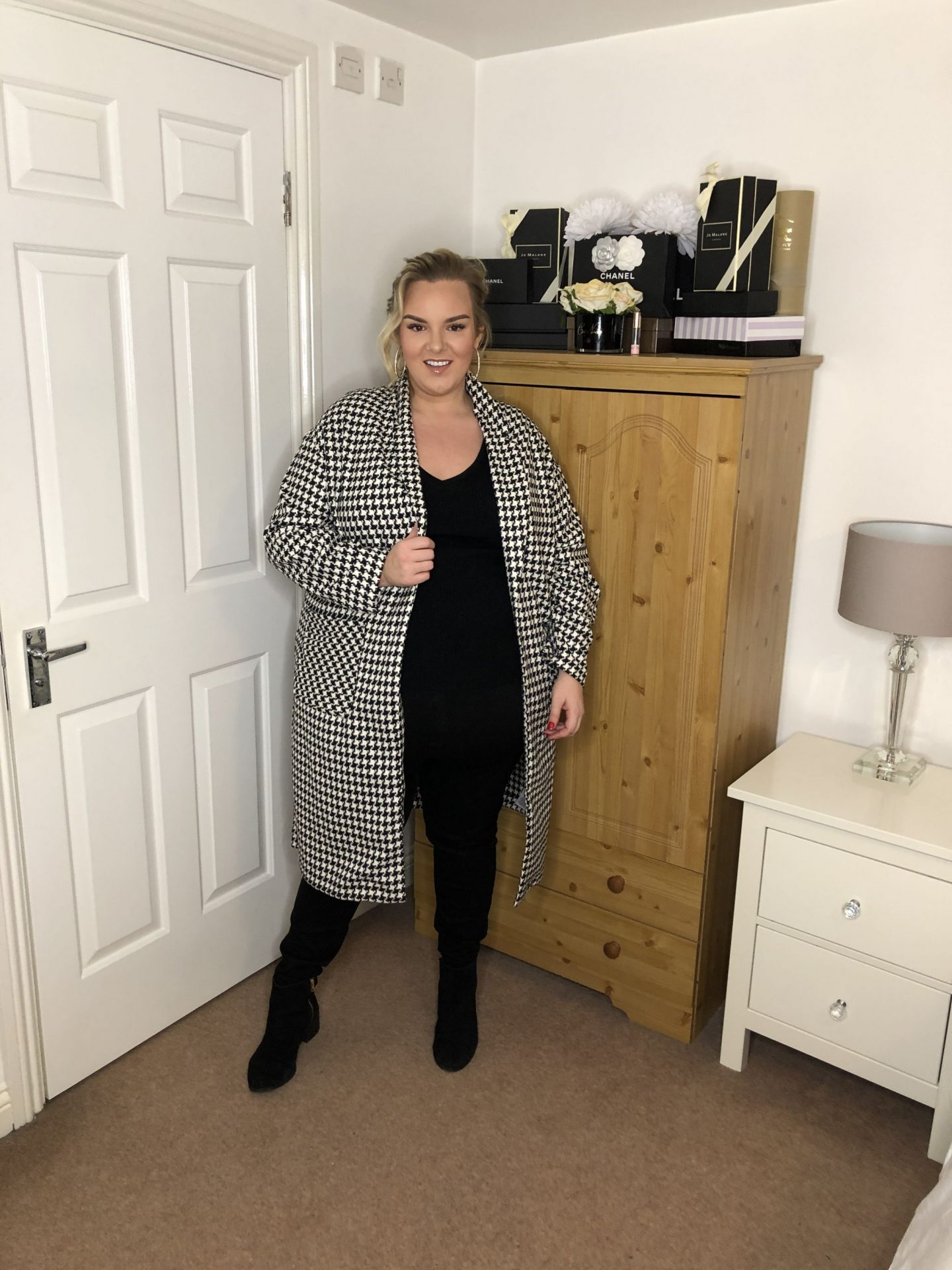 Plus Size Houndstooth Coat on WhatLauraLoves