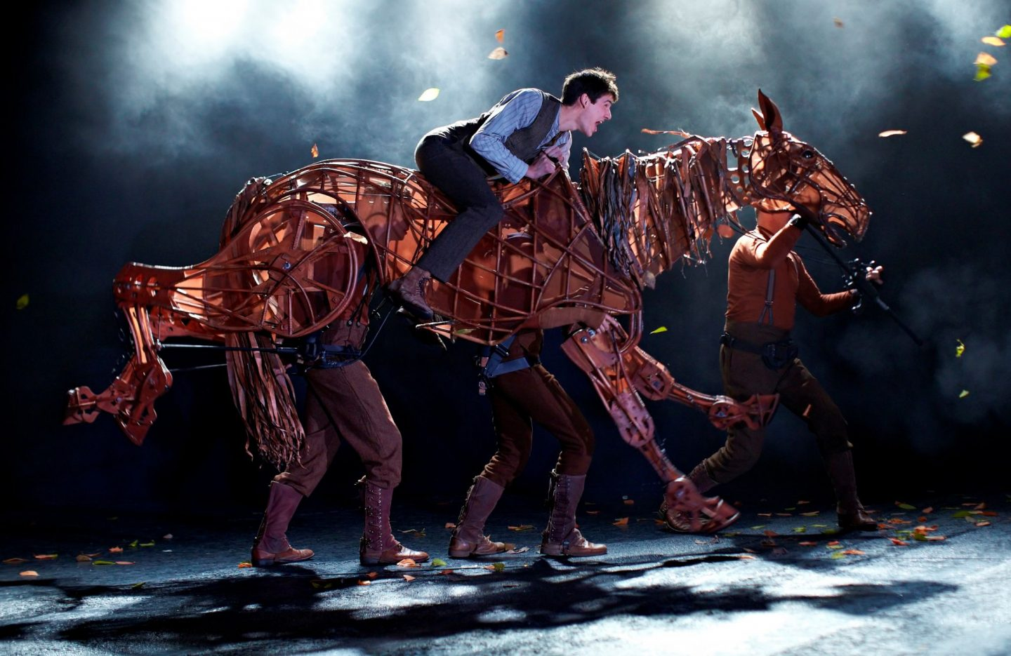 War Horse at the New London Theatre Photo by Brinkhoff Mögenburg 852-034