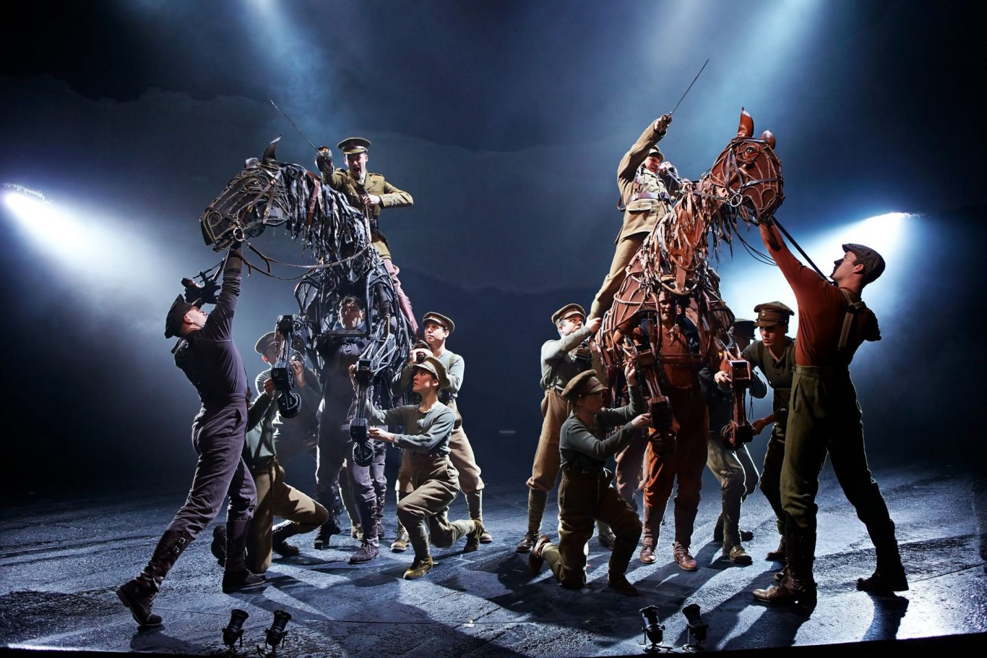War Horse at the New London Theatre Photo by Brinkhoff Mögenburg 852-260