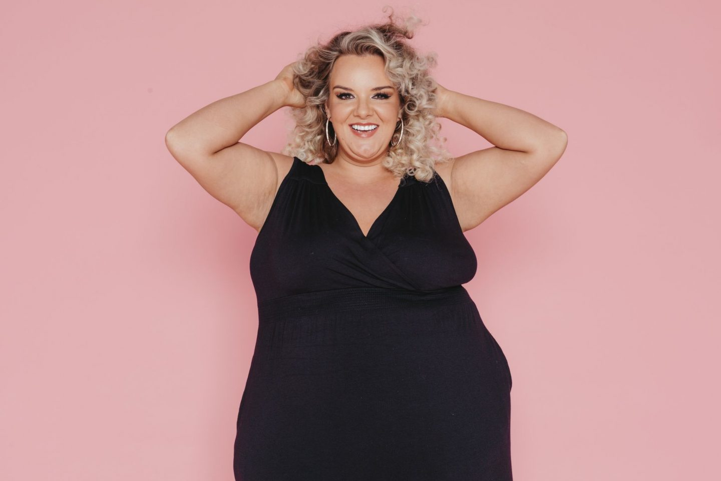 WhatLauraLoves Plus Size Arm Confidence Curvissa