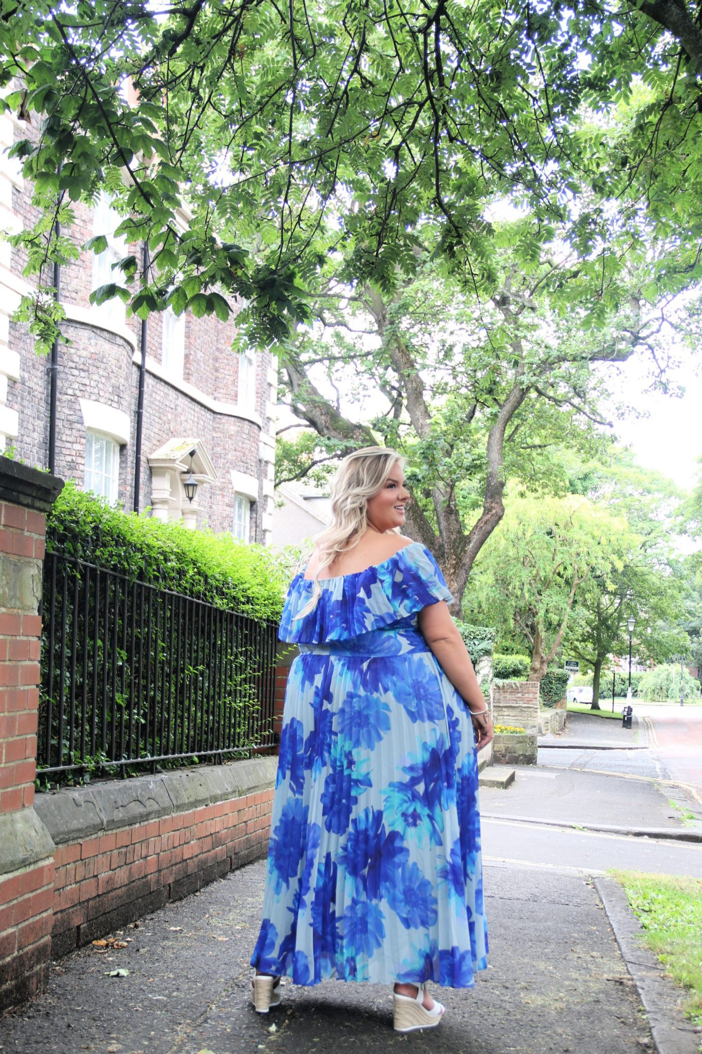 Plus size floral occasion maxi dress simply be whatlauraloves