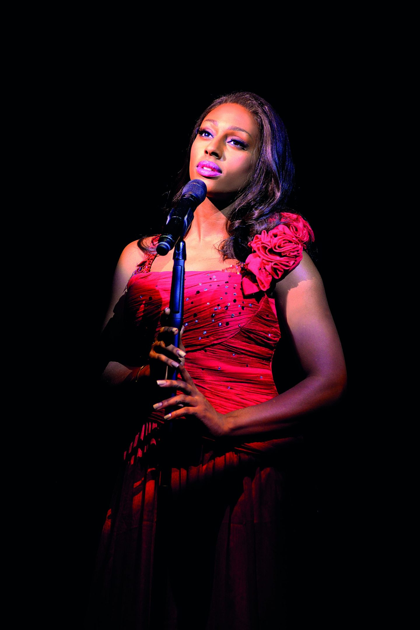 Alexandra Burke in The Bodyguard (Photograph of West End production) - 5215 - Photo by Paul Coltas